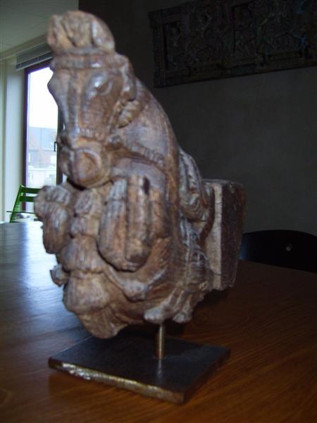 statues et t tes t te de cheval en bois exotique sabot d 39 ancien portique de porte mont. Black Bedroom Furniture Sets. Home Design Ideas